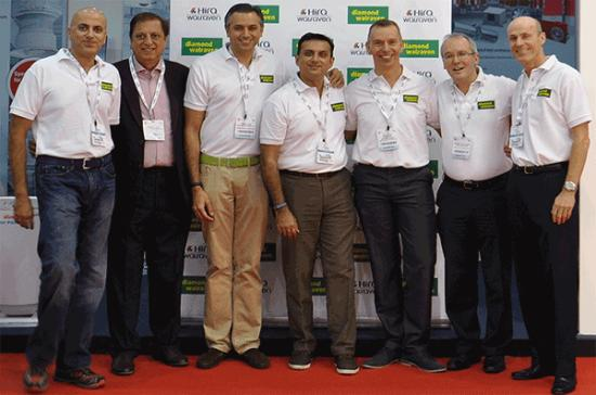 Zleva do Prava Pan Girish Hiranandani - Director at Hira Industries LLC, Pan Ramesh Hiranandani - Owner at Ramesh Hira LLC, Pan Manish Hiranandani - Managing Director at Hira Industries LLC, Pan Ravi Wadhwani - Business Manager HVAC at Hira Industries LLC, Pan Pelle van Walraven - CEO at J. van Walraven Holding B.V., Pan Jürgen Goldinger - Global Group Director Sales at J. van Walraven Holding B.V., Pan Joop Standaert - CFO at J. van Walraven Holding B.V.